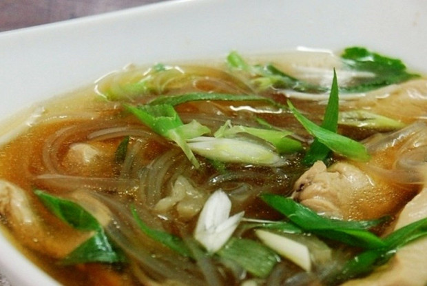 Суп с лапшой по-тайски
