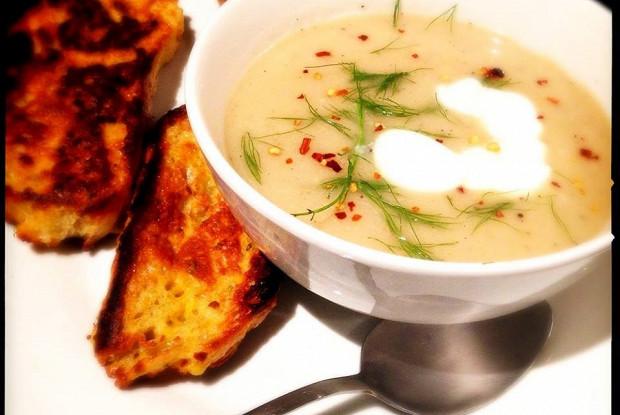 Суп из сладкого фенхеля с крутонами от Джейми Оливера
