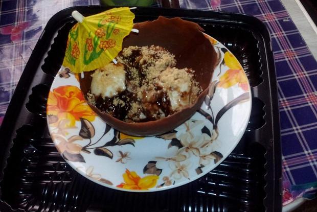 Мороженое с маршмэллоу, песочным печеньем и шоколадной прослойкой
