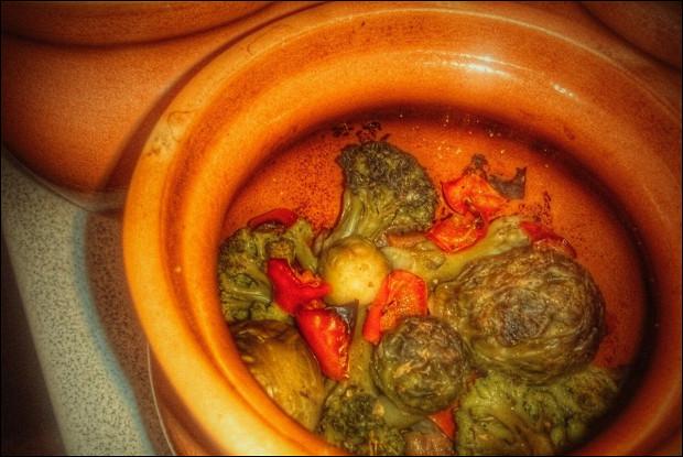 Постная говядина в горшочках с овощами