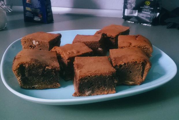 Брауни с молочным и темным шоколадом