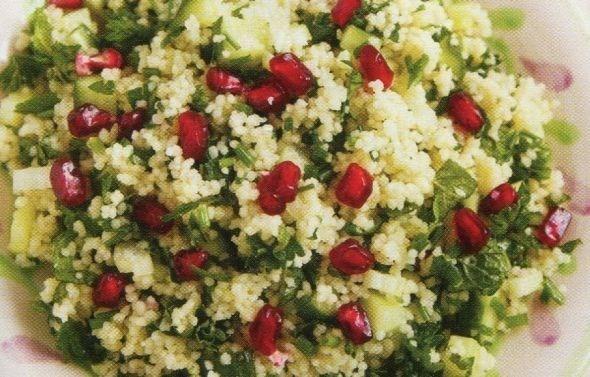 Овощной салат с фетой и кускусом