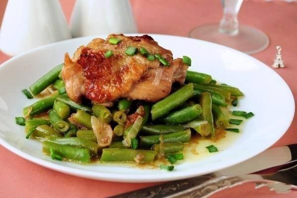 Курица в меду с зеленой фасолью
