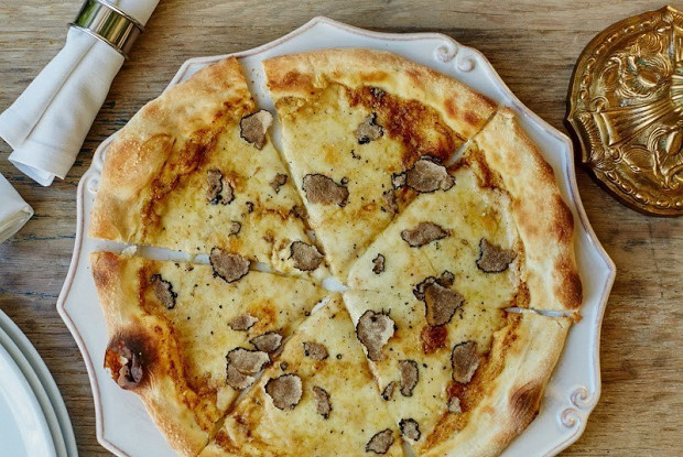 Трюфельная пицца из ресторана Buono