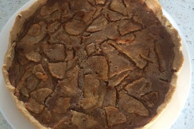 Грушевый пирог с медово-лимонной пряной заливкой
