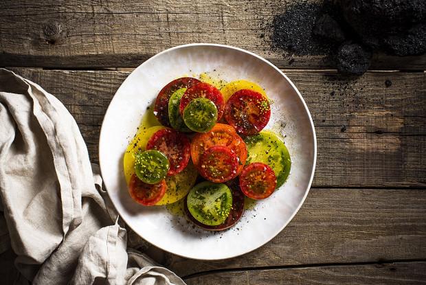 Карпаччо из цветных помидоров