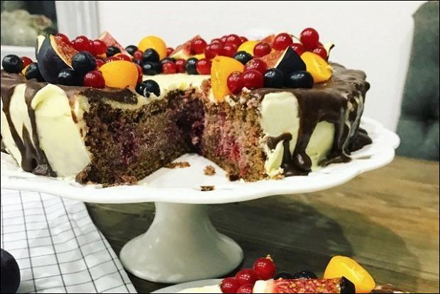 Праздничный торт «Пьяная вишня»