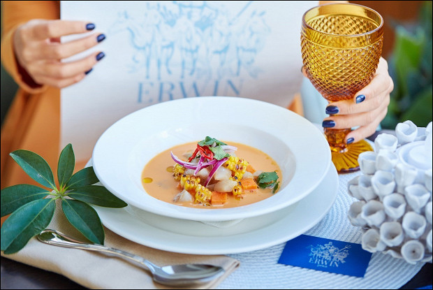 Классический перуанский севиче из морского окуня с бататом и сладкой кукурузой
