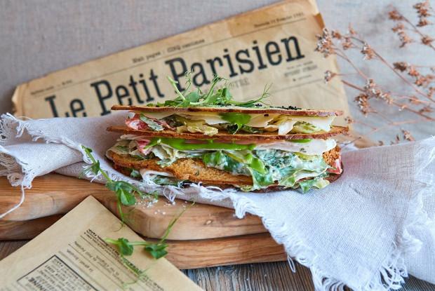 Сэндвич с салатом «Цезарь»