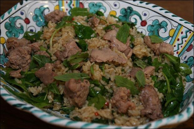 Азиатский салат с печенью трески