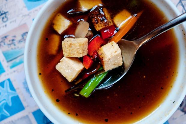 Мисо-суп с тофу и лососем