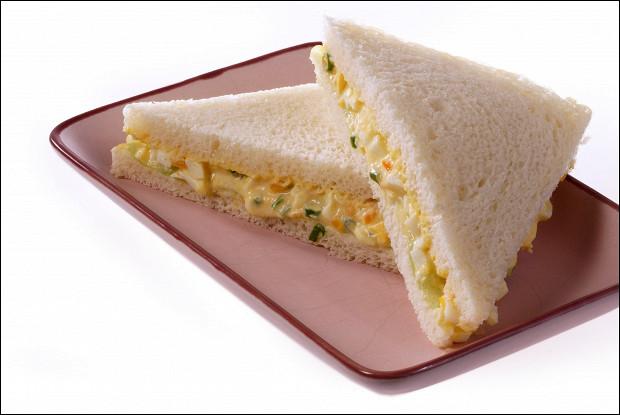Сэндвичи с яйцом и огурцом