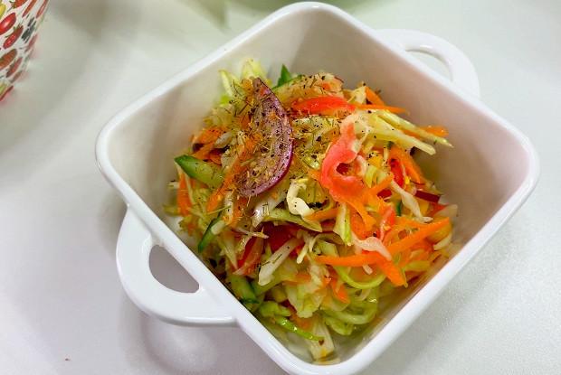 Имбирный салат из капусты