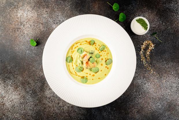 Крем-суп из брокколи с лососем в сладком чили
