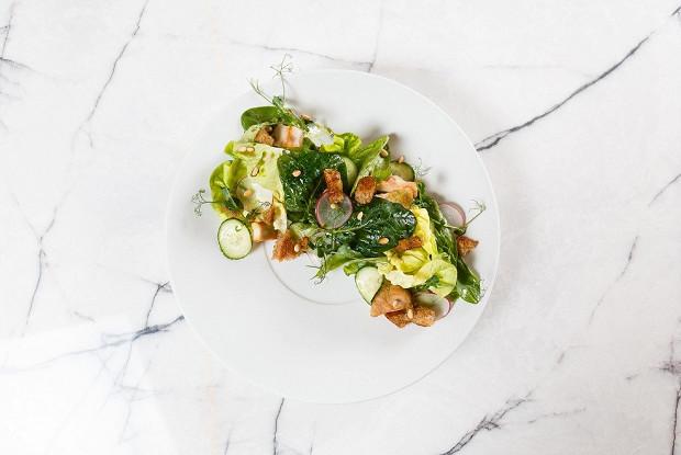 Салат с куриной грудкой и эстрагоном