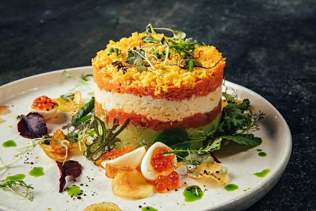 Салат «Мимоза» со шпинатом