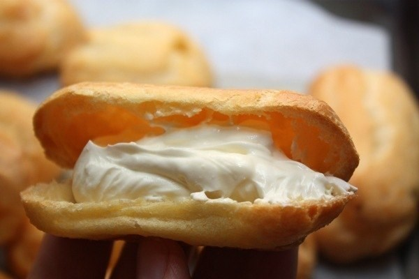 Белоснежный крем для заварных пирожных
