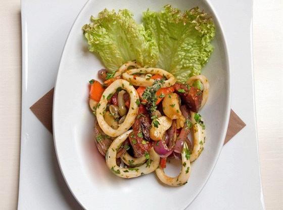 Салат из кальмаров по-тайски