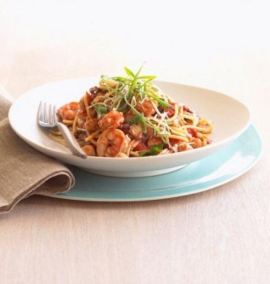 Спагетти с ракушками и белыми грибами