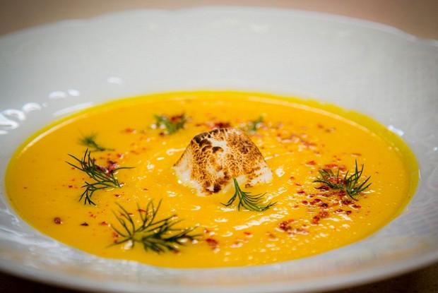 Морковно-имбирный суп с маршмеллоу