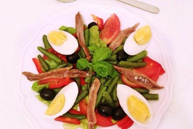 Слоеный салат нисуаз