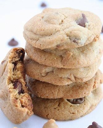 Сливочно-арахисовое печенье с ирисками