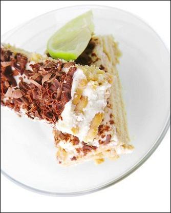 Йогуртовый торт с миндалем