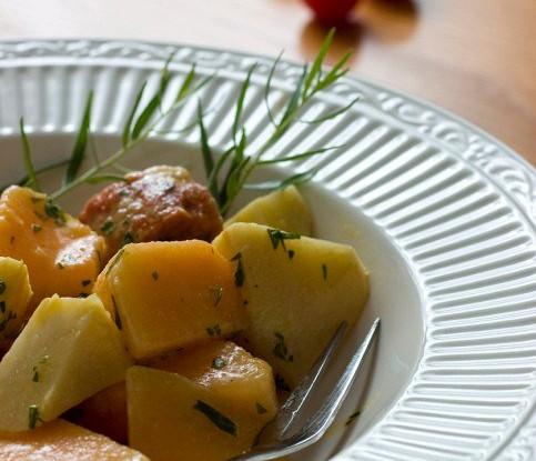 Салат из тыквы, дыни, яблок и лимона