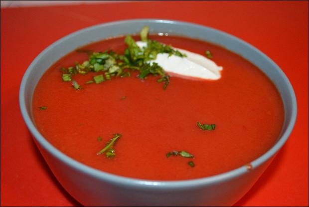 Вегетерианский пряный свекольный суп-пюре