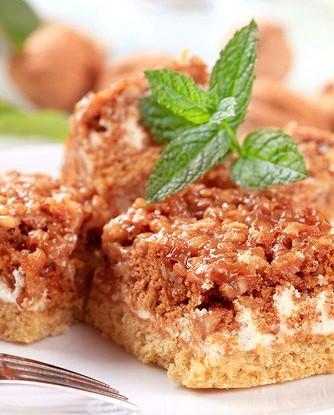 Ореховый торт с грильяжем