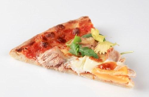 Пицца с индейкой и шалфеем