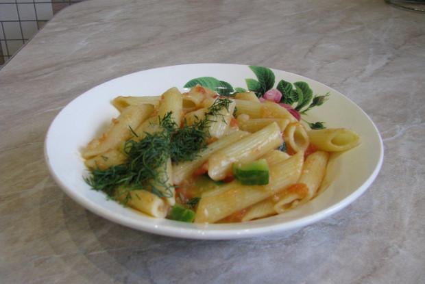 Овощной соус по-Сызрански с макаронами по рецепту от Евгения Сивожелезова