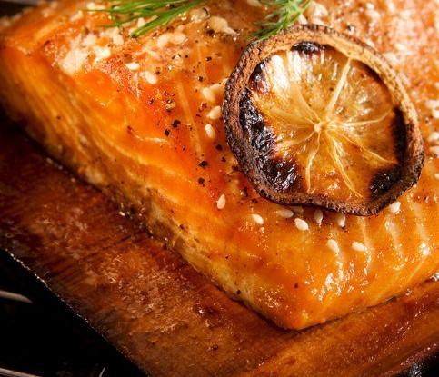 Филе лосося, маринованное в арбузном соке
