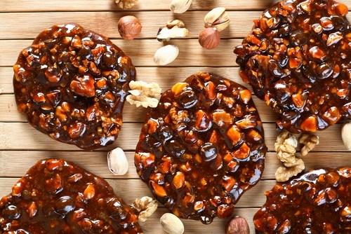 Жареные орехи в медовой глазури и индийских специях