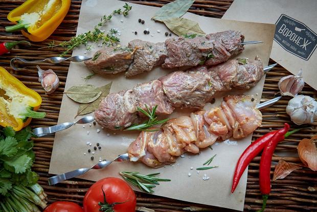 Шашлык из говядины в маринаде с киви