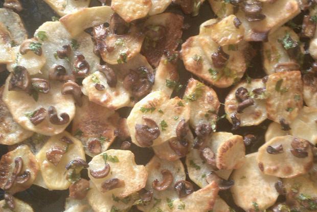 Картофель, запеченный с шампиньонами