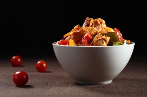 Салат из маринованных овощей с индейкой