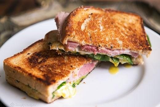 Бутерброды с ветчиной и хреном