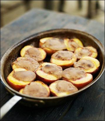 Персики в бренди