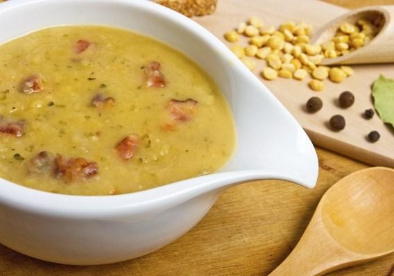 Суп гороховый с куриным мясом и копченостями