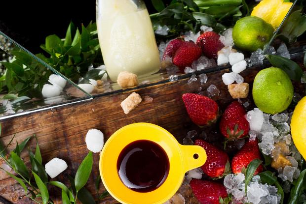 Цитрусовый фроузен с клубникой и ванилью