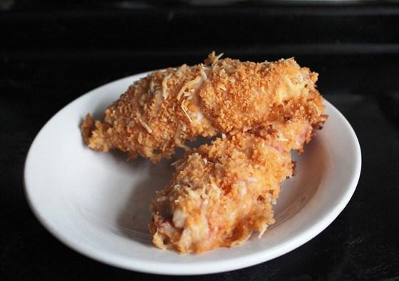 Куриное филе в беконе с обсыпкой
