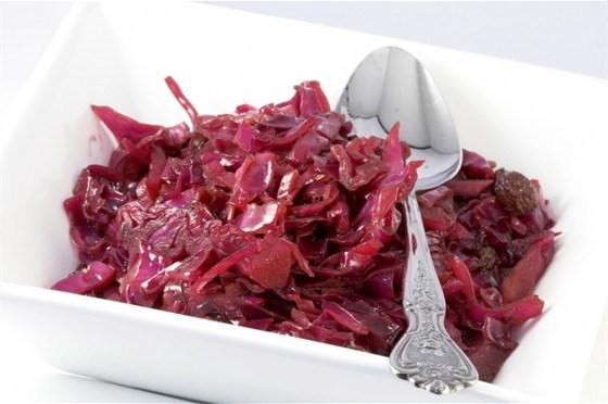 Салат из красной капусты с уксусом