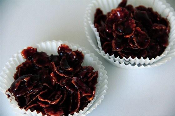 Шоколадное печенье с кукурузными хлопьями без выпечки