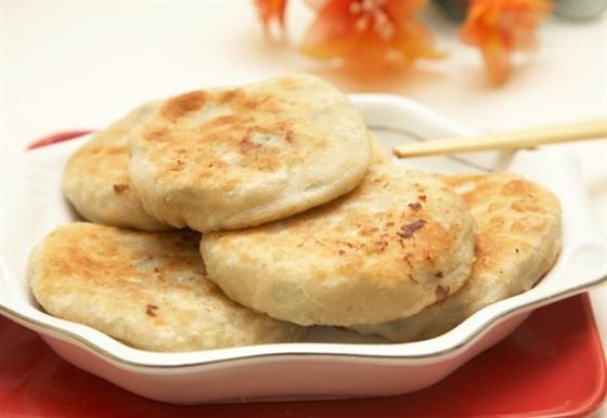 Кабачково-картофельные оладьи с мятой и сыром фета