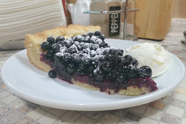Савойский пирог с черникой