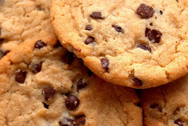Печенье с шоколадными каплями (орехами)