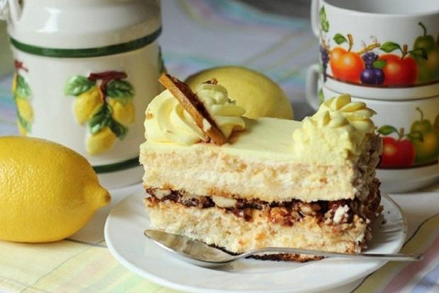 Лимонный торт с ореховой прослойкой