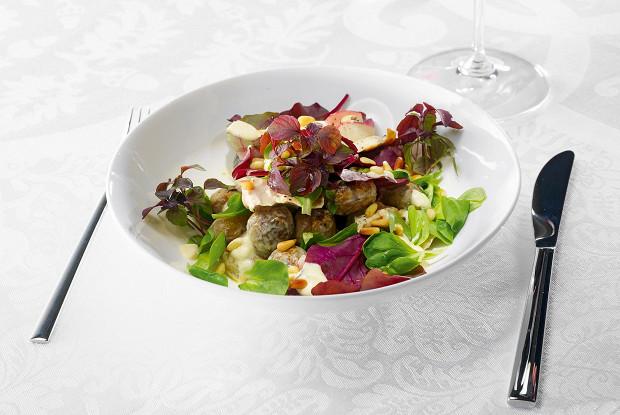 Салат из цесарки и редиса