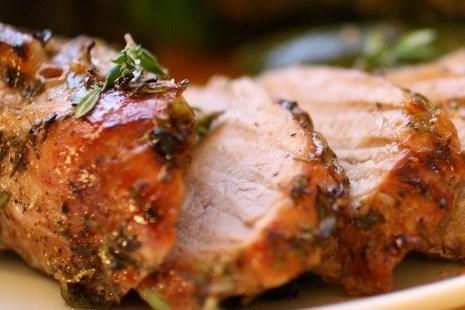 Свинина, запеченная с розмарином